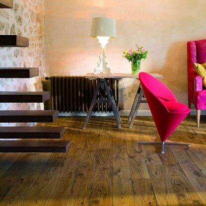Quickstep Elite Laminate Flooring In Old White Oak Natural