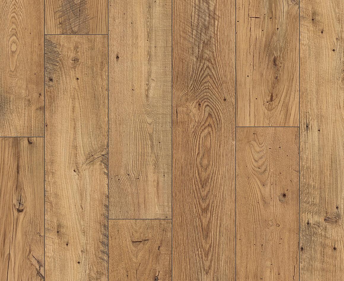 Quickstep eligna laminate flooring in reclaimed chestnut for Quickstep flooring